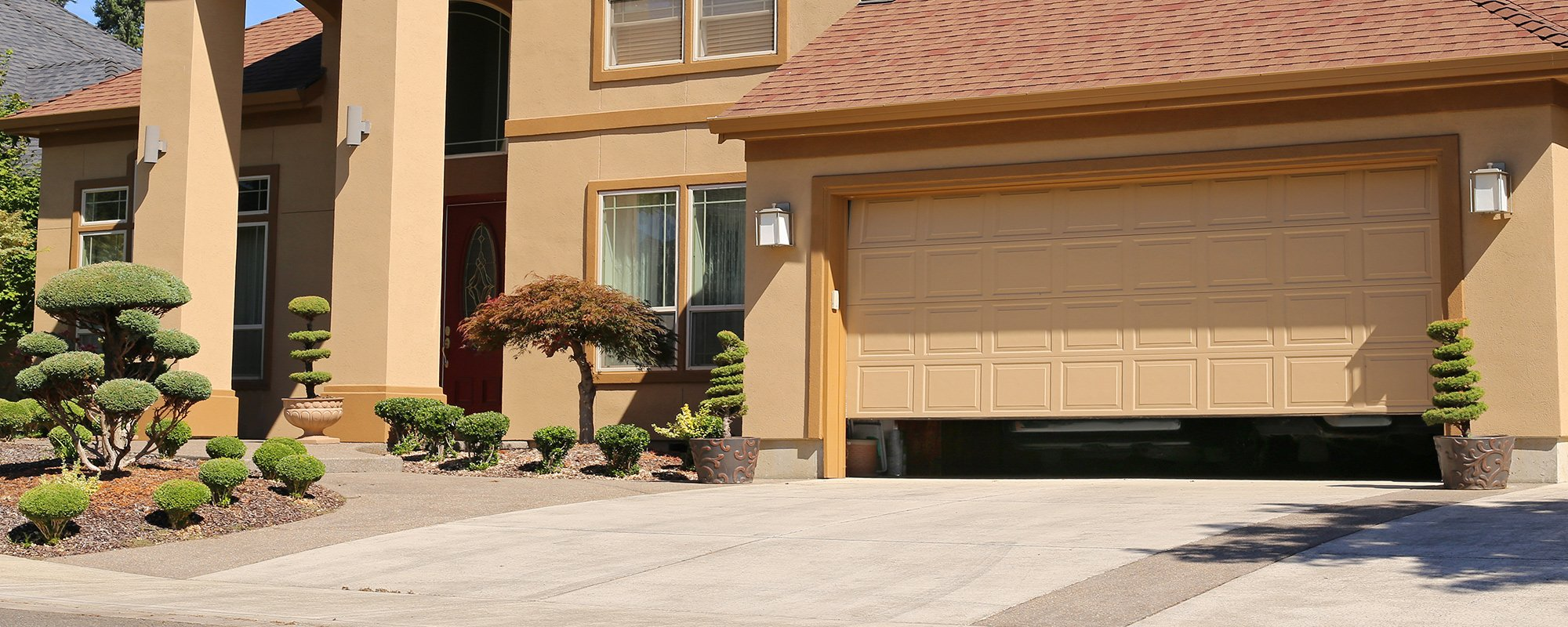 Vista di porta per garage