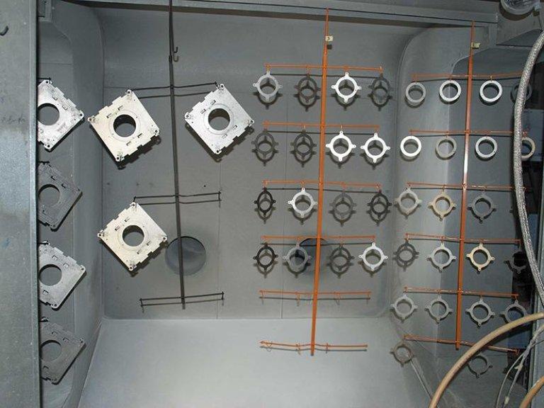 lavorazione di verniciatura alte temperature