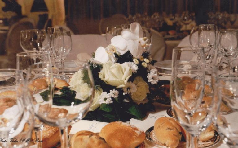 realizzazione centro tavola, realizzazione segnaposto, composizioni floreali, composizioni floreali per ristoranti, addobbi per ristoranti, addobbi per tavoli, addobbi per chiese, addobbi floreali per ogni evento, Rieti