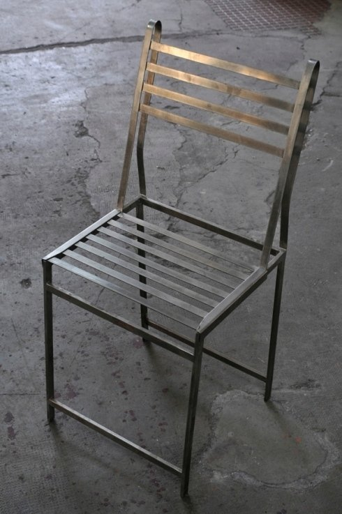 sedia in metallo