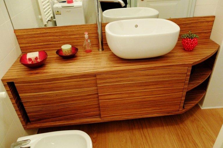 idee arredo bagno in legno