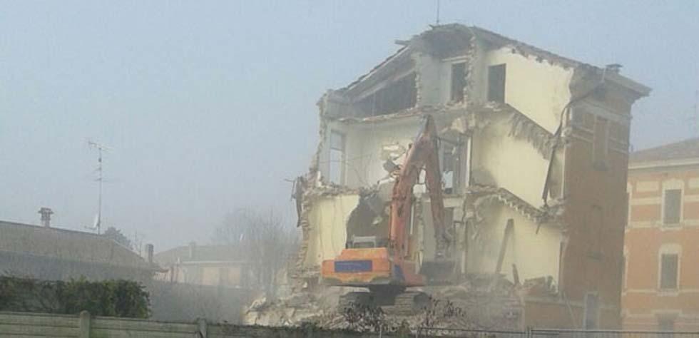 demolizioni strutture ex zuccherificio
