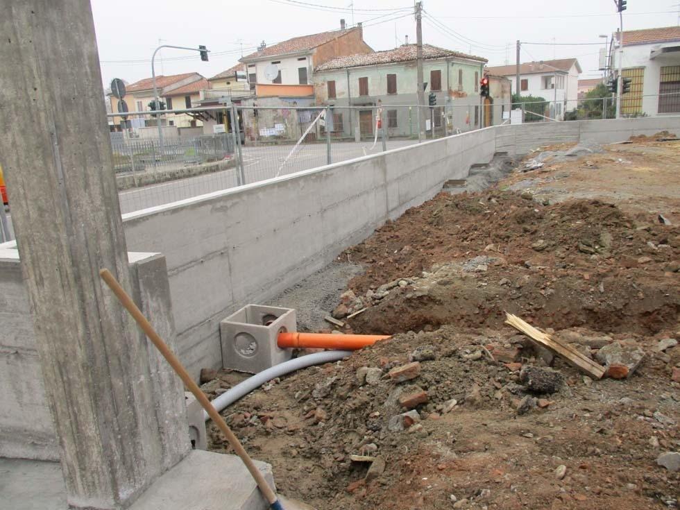 Muro recinzione in getto opera