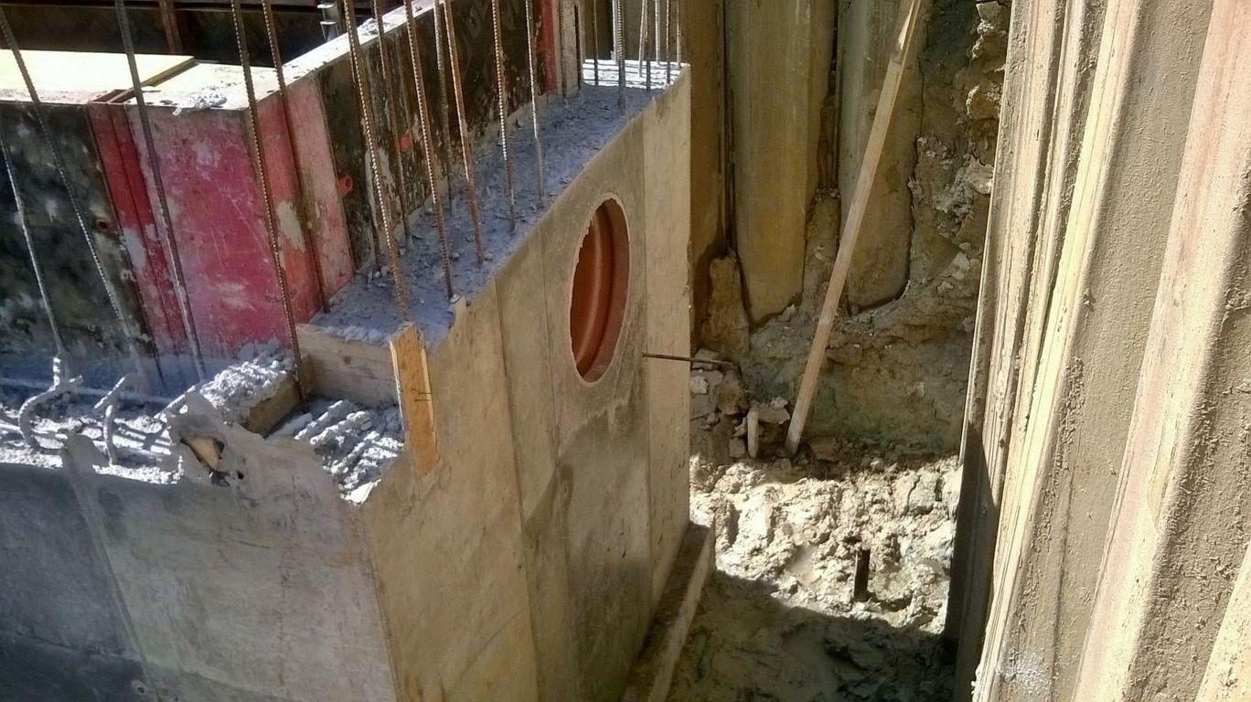 Scavo con pareti di cemento