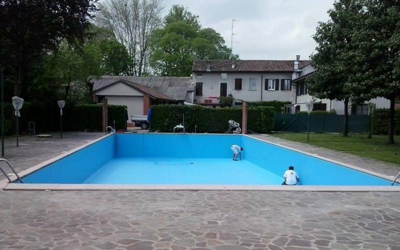 realizzazione rivestimenti piscine