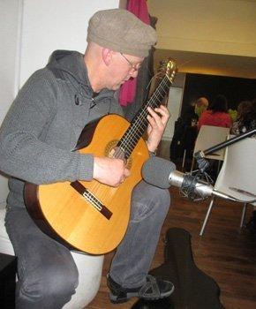 Learn to play guitar - Huddersfield - Robert Jarvis Expert Tuition - guitar