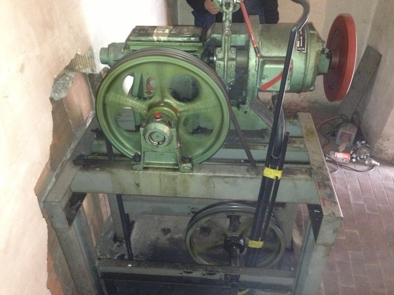 Trasformazione impianto ascensore, argano antecedente