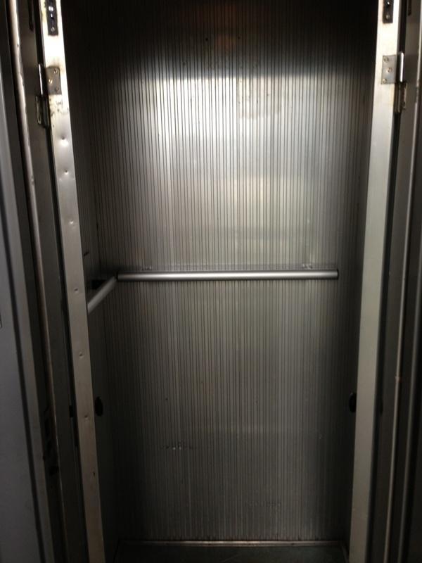 Stato cabina ascensore prima della trasformazione