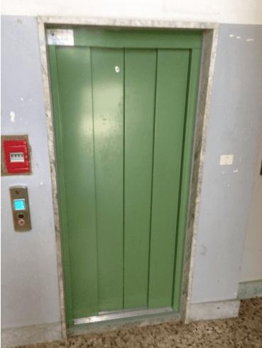 Cambio porta piano ascensore