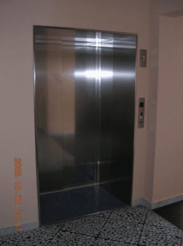 Porta ascensore in metallo