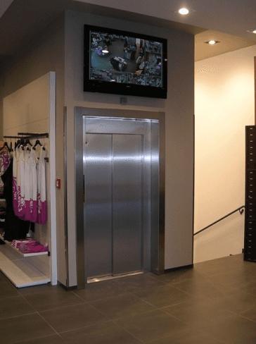 ascensore centri commerciali