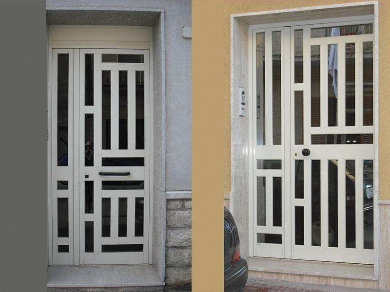 porte bianche con disegno geometrico specchiato