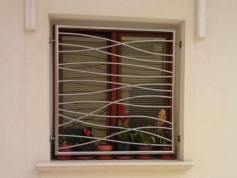 protezione in ferro per finestra