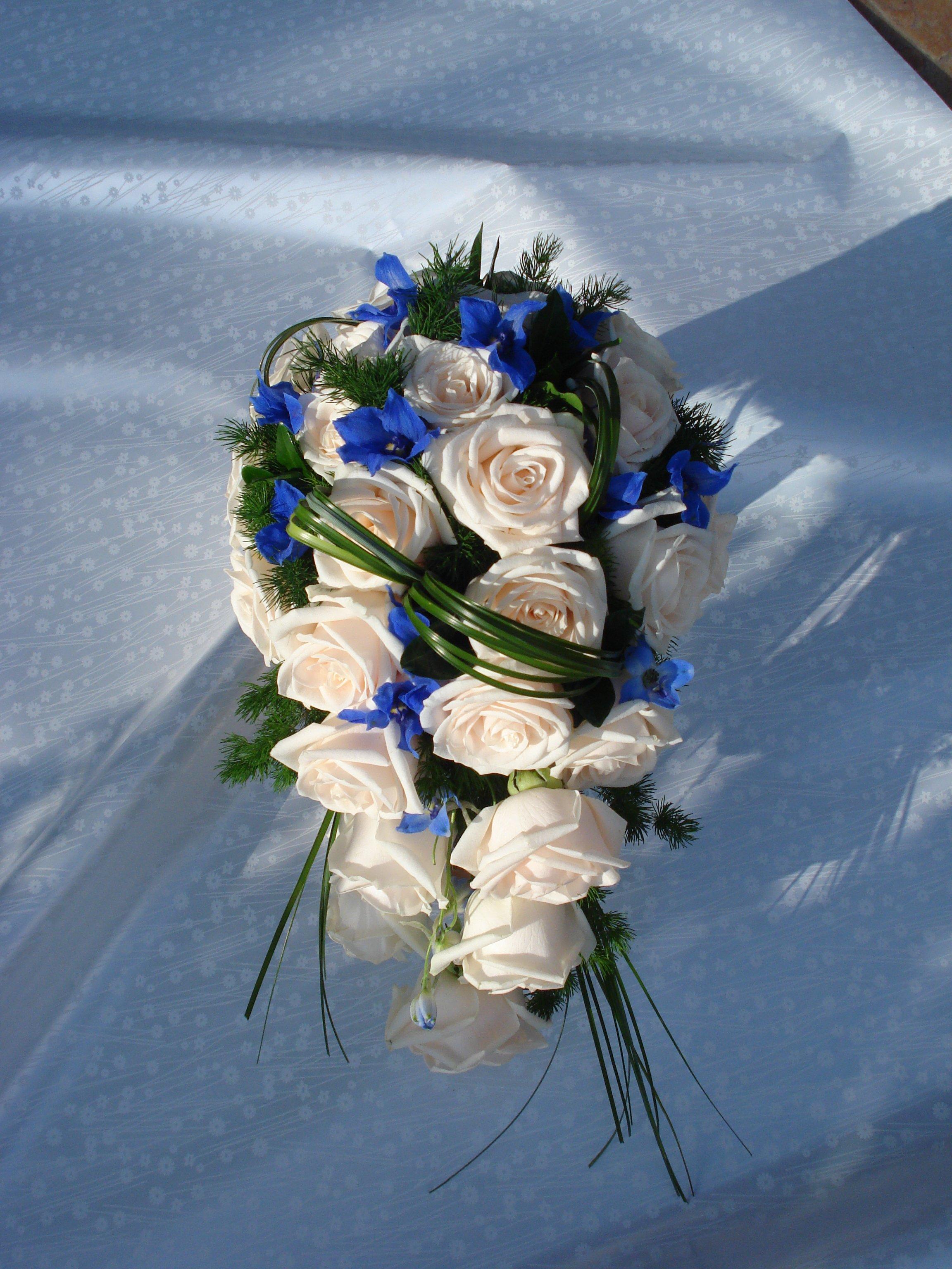 bouquet rose vandela delphinium belladonna e bergrass