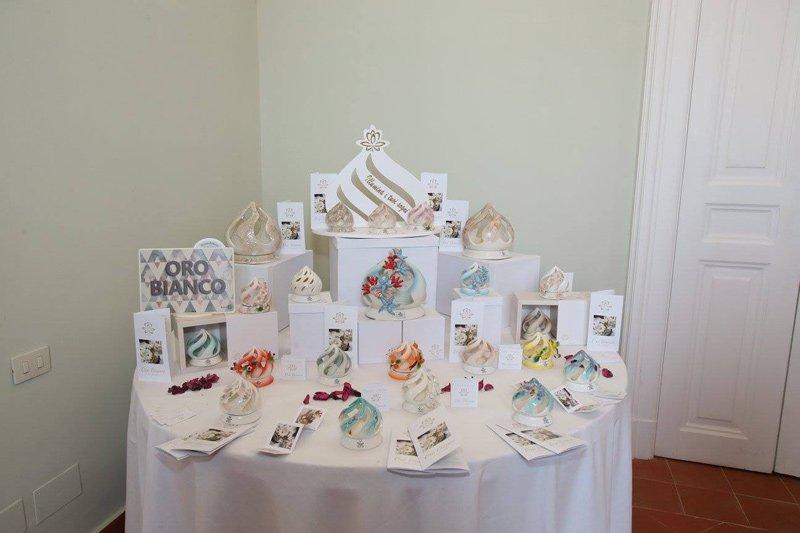 oggetti sul tavolo