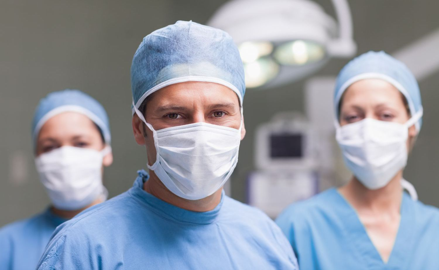 Surgical team using industrial gas in Chillicothe, OH