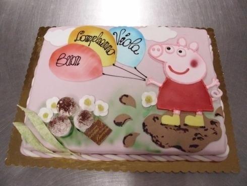 torta di compleanno cartoni animati