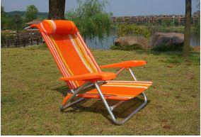 sedia da campeggio arancione a Stanghella, PD
