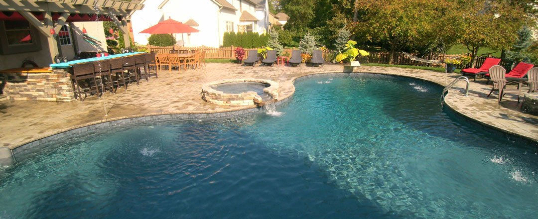 5 Ways To Keep Bugs Out Of Your Pool