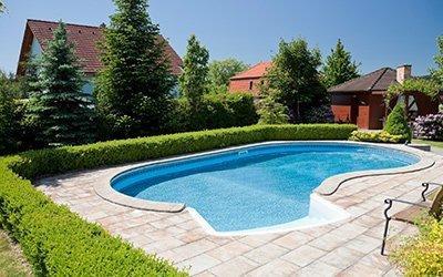 nice-pool-in-garden