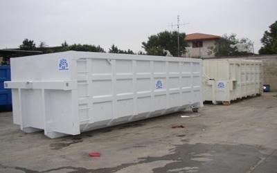 due container per rifiuti
