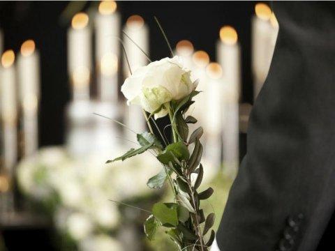 cerimonie funebri religiose