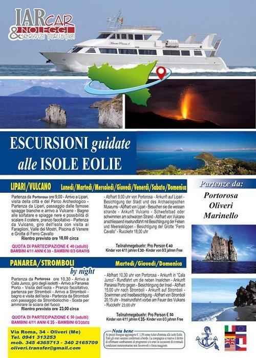 una brochure con un'immagine di una crociera e delle isole