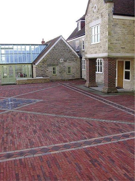 If you would like decorative paving in Bristol call 01275 454 464