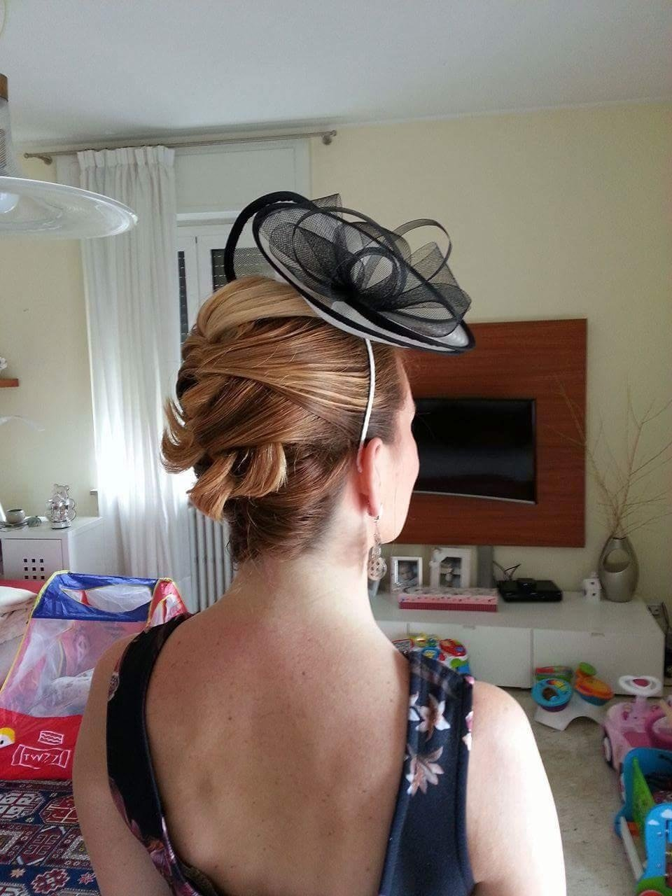 acconciature con cappellini