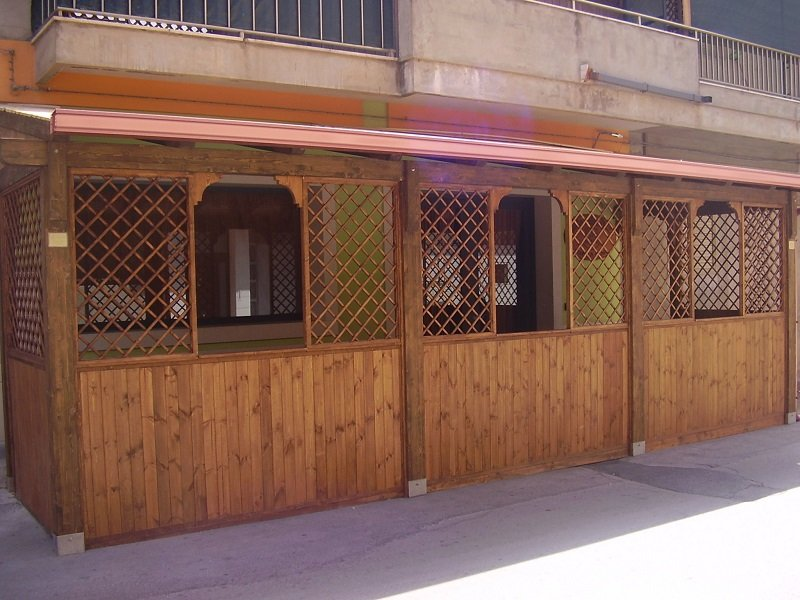Case mobili in legno vittoria rg pianeta legno for Pianeta casa mobili