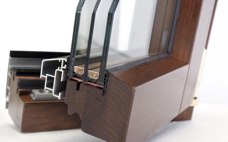 Profili in legno alluminio