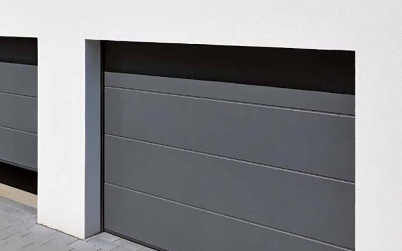 Portoni sezionali in alluminio