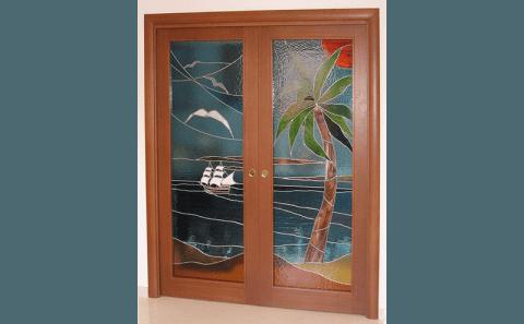 Porte due ante scorrevoli con vetro colorato