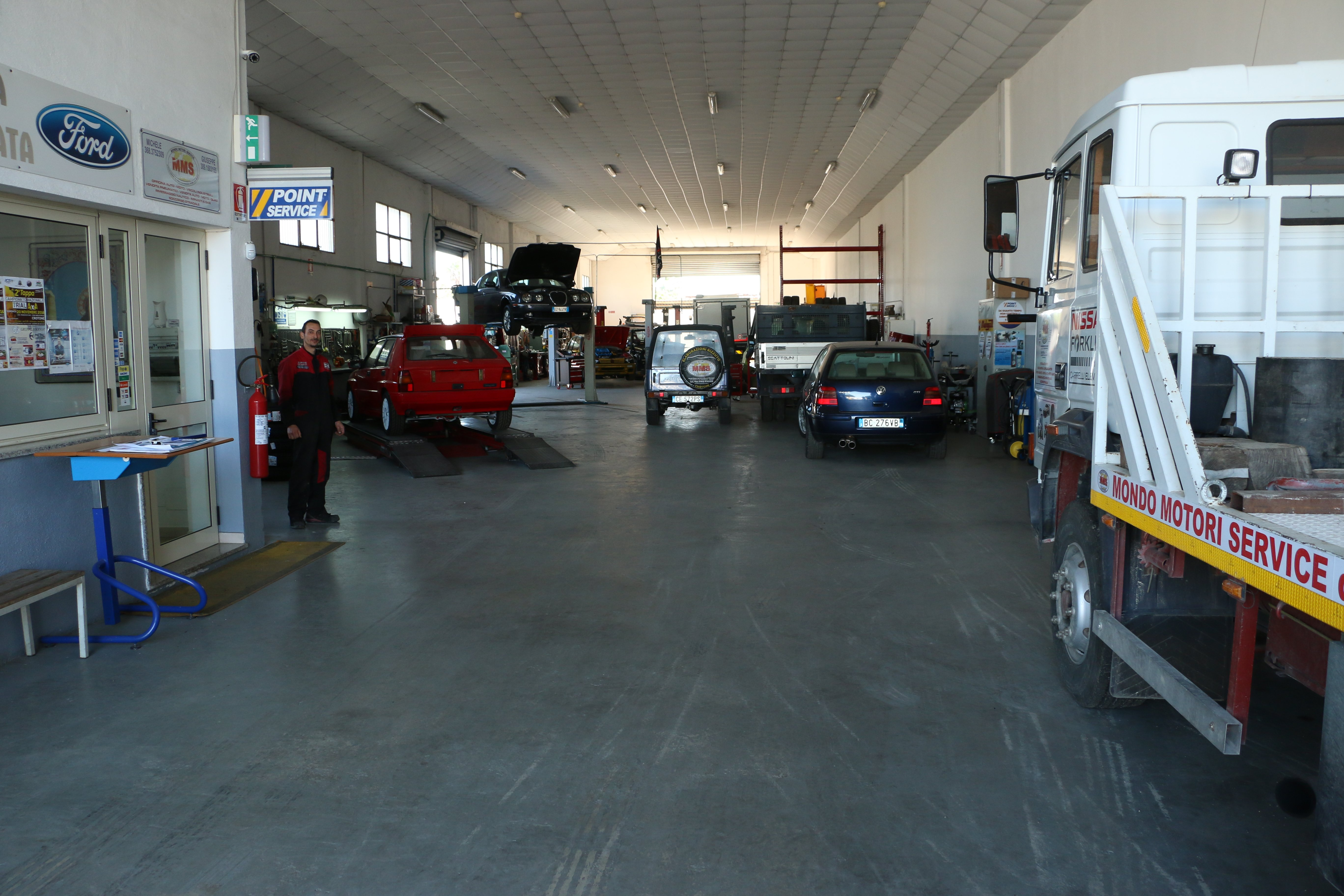 Officina di Mondo Motori Service, Rizzuto Giuseppe, a Crotone