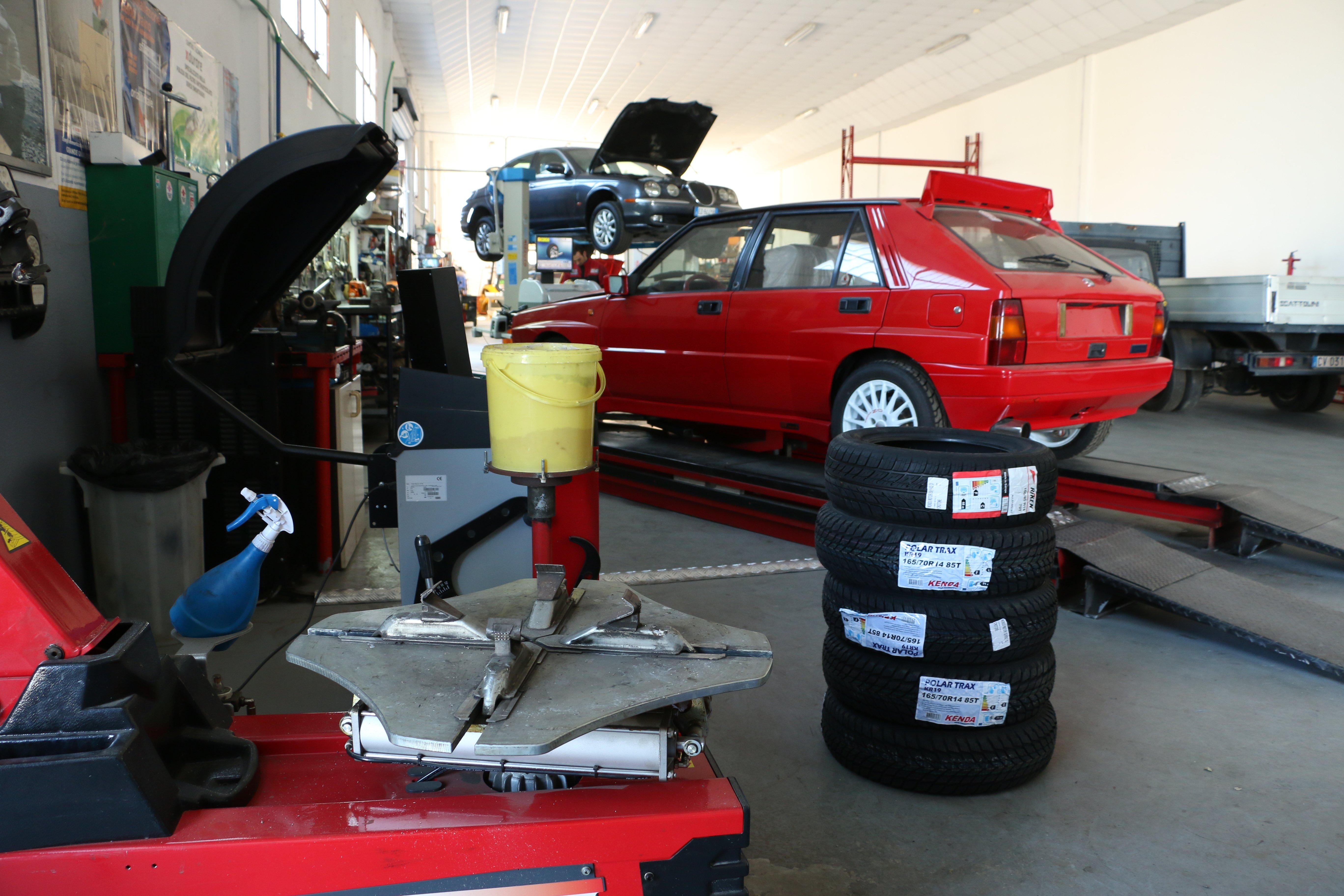 Interni Officina Mondo Motori Service a Crotone