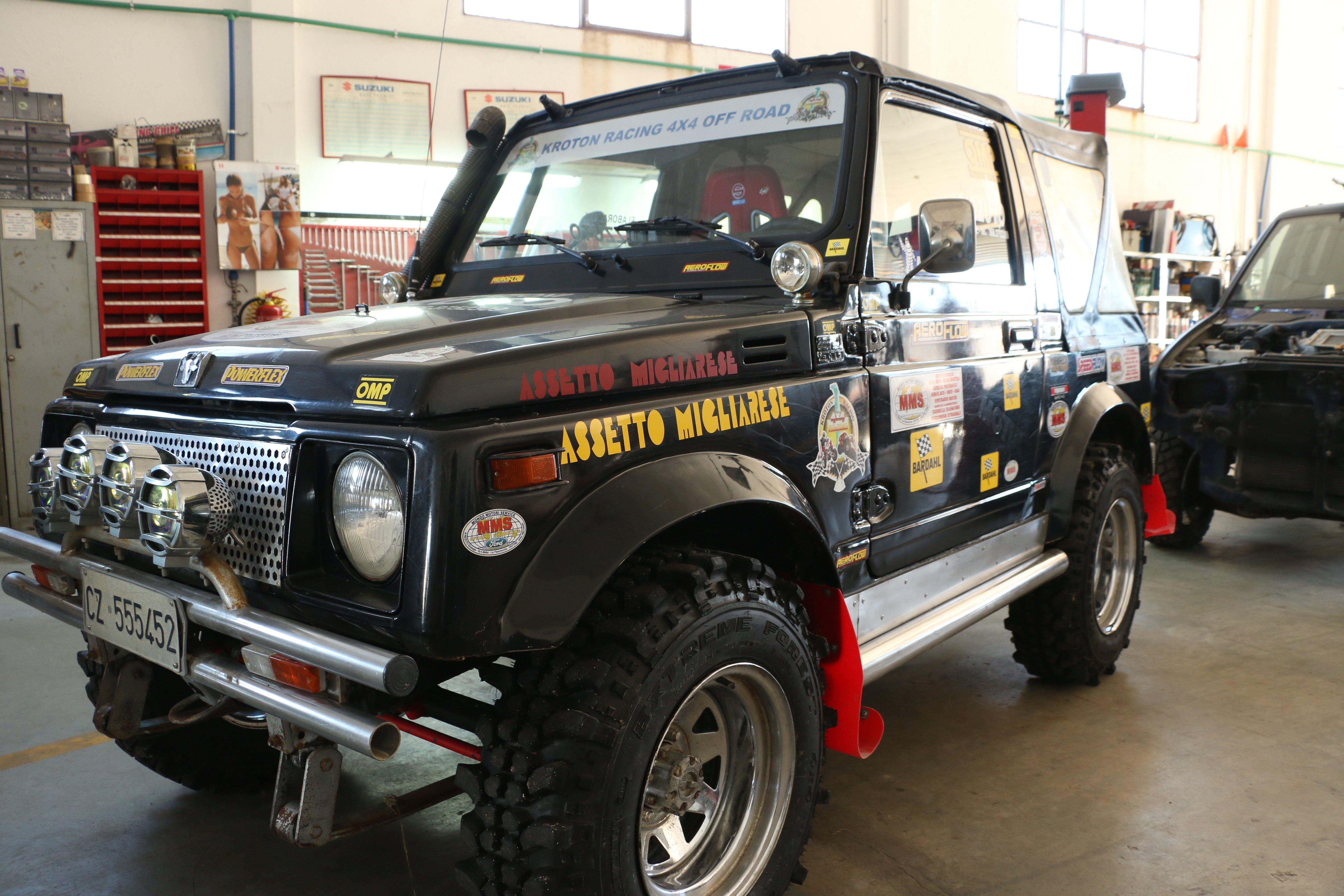 Jeep sportiva presso Officina di Mondo Motori Service, Rizzuto Giuseppe, a Crotone