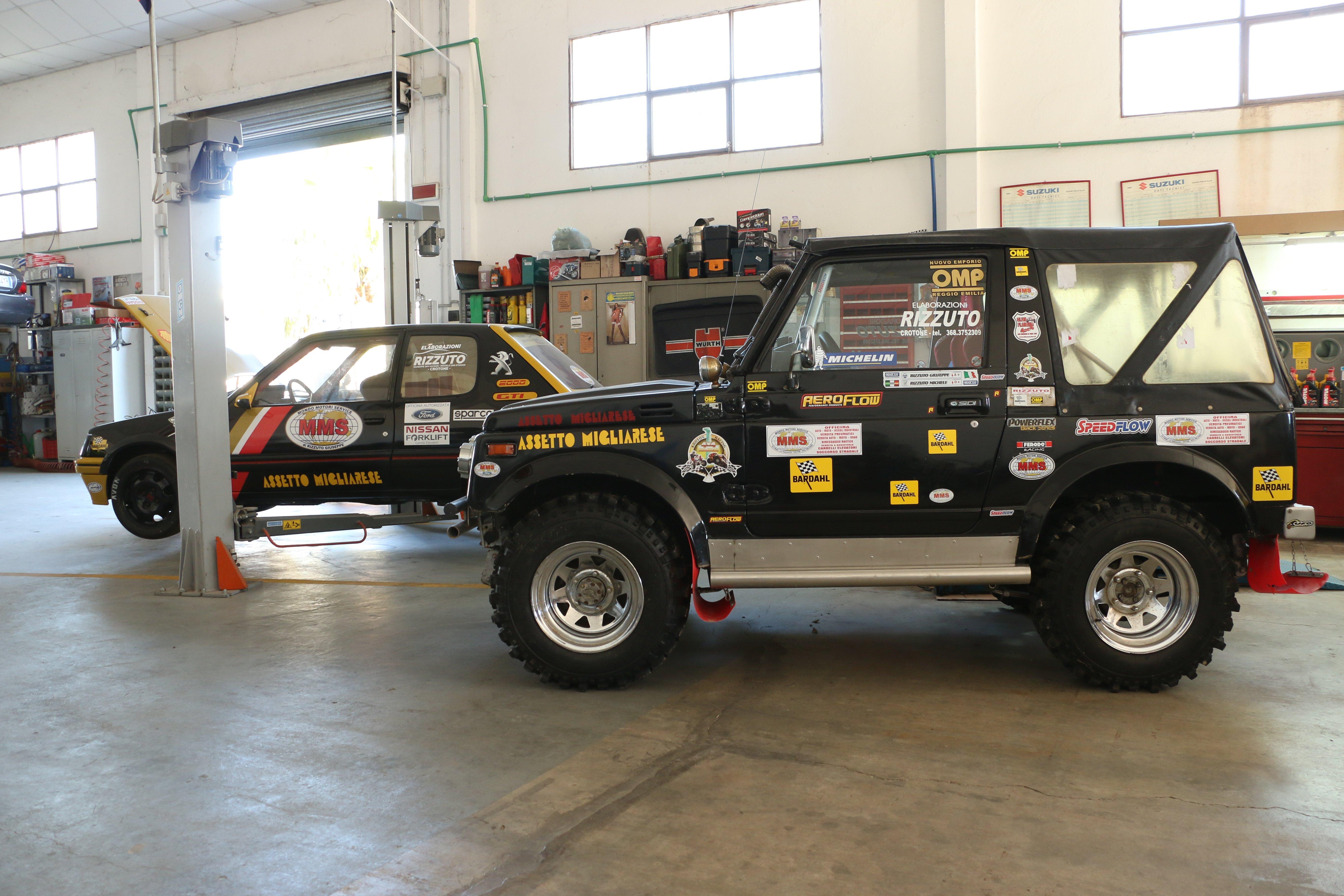 una Jeep presso Officina di Mondo Motori Service, Rizzuto Giuseppe, a Crotone