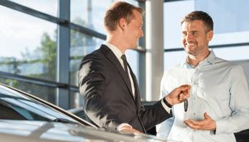 uomini, clinete, venditore, chiavi, auto