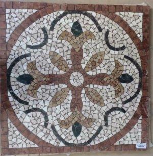 un mosaico in marmo