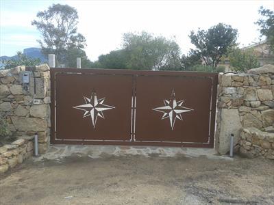 cancello con stella alpina design in acciaio verniciato