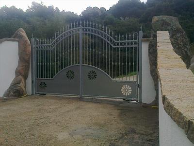 cancello  da esterni in ferro