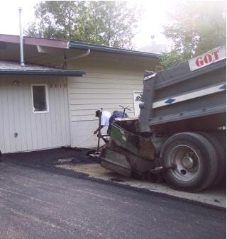 placing the asphalt