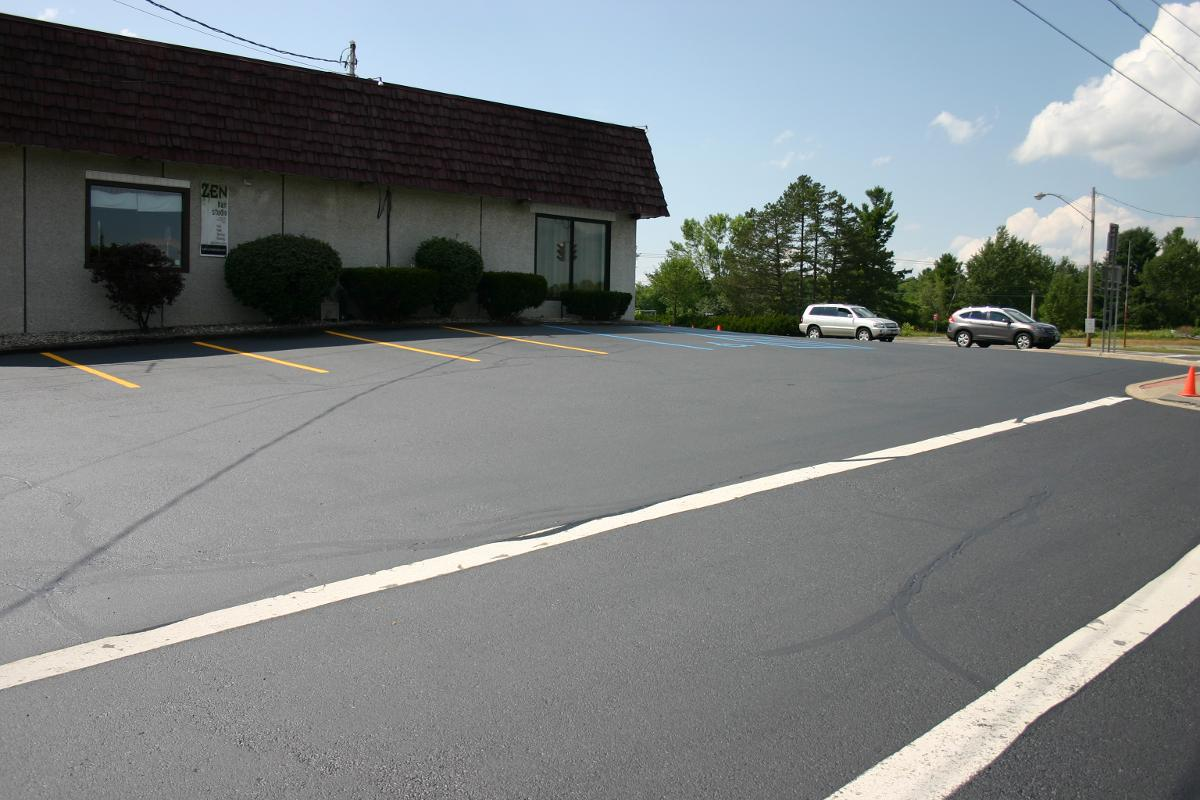 Driveway Sealcoating Colonie, Cohoes & Latham, NY
