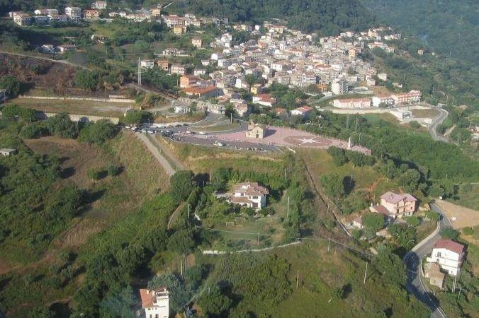 vista aerea  di Falerna Paese