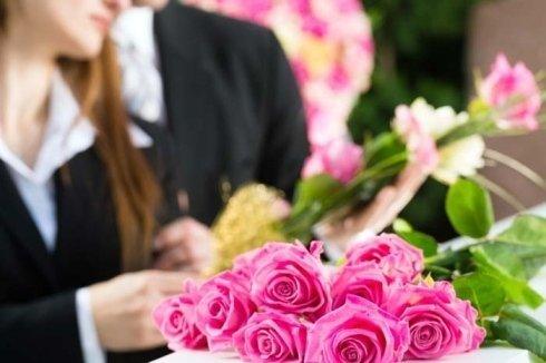 articoli funerari, allestimenti floreali, funerali