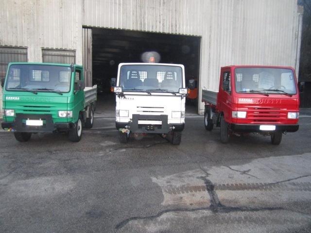 dei camioncini da lavoro