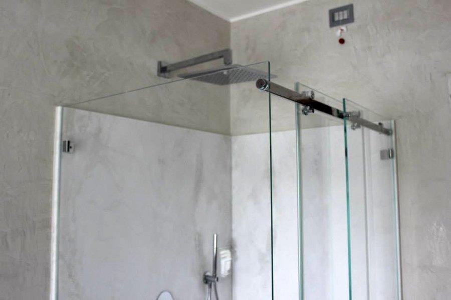 cabina doccia su misura in cristallo extrachiaro