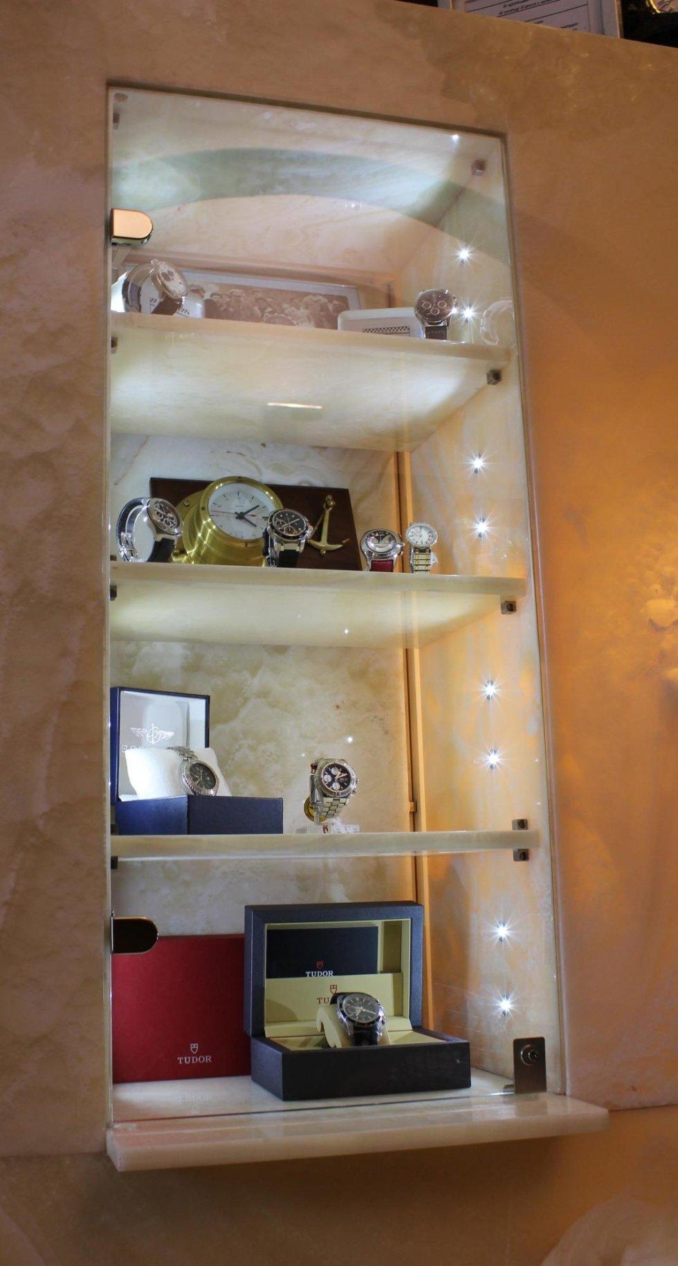 teca orologeria illuminata a LED