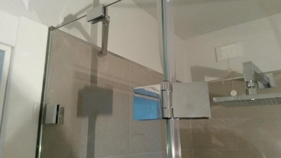 Box doccia con anta a gradi