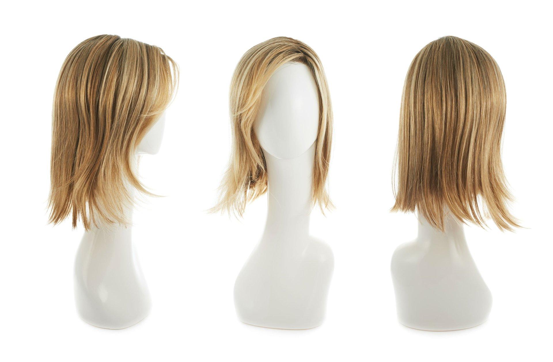 ttre parrucche da donna bionde